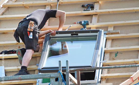 dachfenster einbau in bergisch gladbach montage von dachfl chenfenstern panoramafenster in. Black Bedroom Furniture Sets. Home Design Ideas